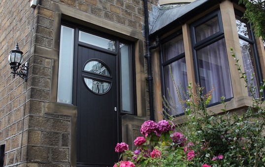 Fully integrated side panels & top lights from Composite Doors Yorkshire